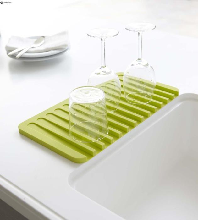 Сушилка для мокрой посуды.