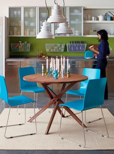 Круглый обеденный стол ‒ идеальный выбор для кухни