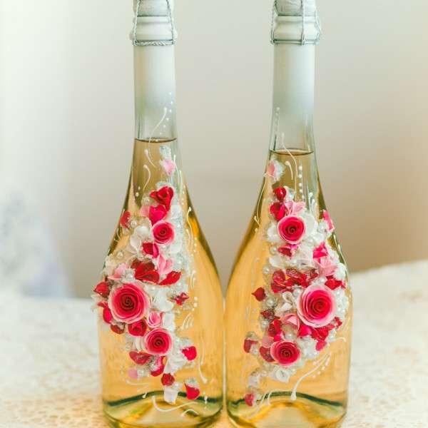 Как украсить бутылку шампанского на свадьбу цветами