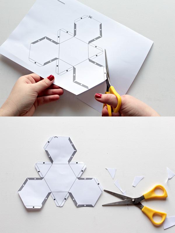 Распечатываем и вырезаем шаблоны свечей. Если есть возможность, лучше выбрать более плотную бумагу