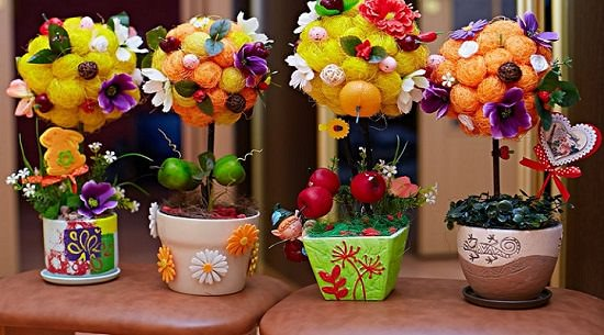 Истинная красота топиария кроется в сочетании сочных фруктов насыщенных и нежных оттенков