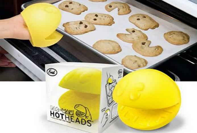 Смешной кухонный гаджет: прихватки для печи «Pac Man».