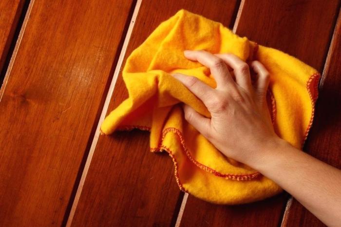 Пиво может служить средством для полировки мебели. /Фото: linesofflight.co