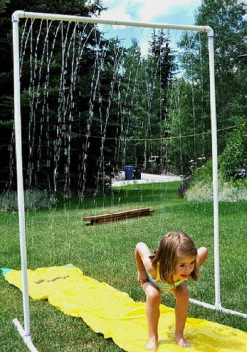 Такому душу обрадуются не только дети, но и взрослые, хорошо освежит в жаркий летний денек.