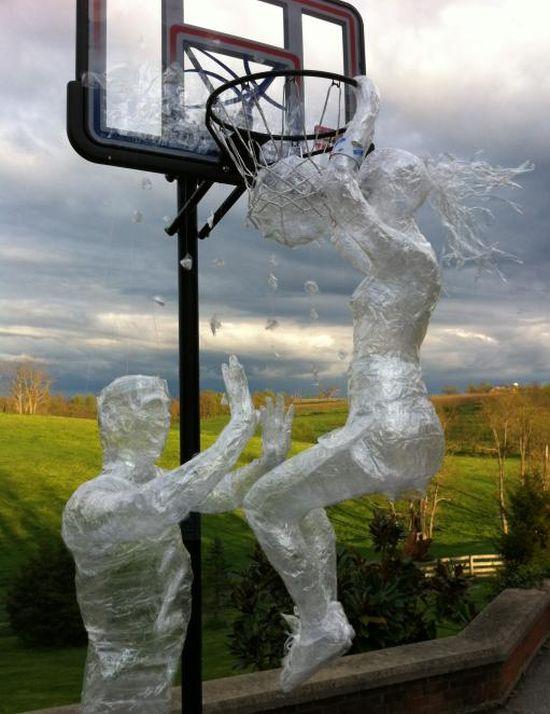 Beth E Пик н ролл Лучшие работы конкурса скульптур из скотча Off the Roll 2012