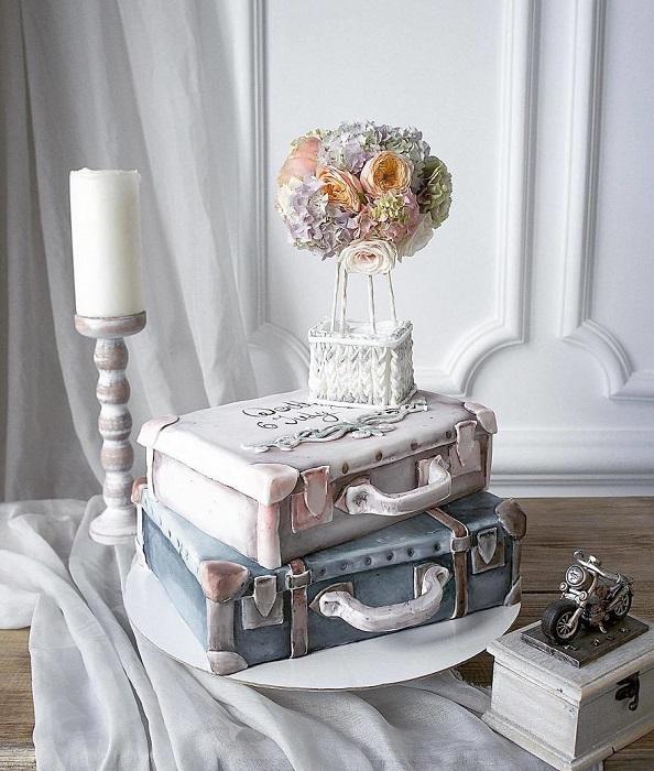 Торт с французской ноткой романтики.