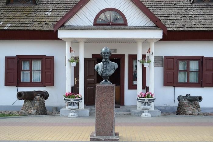 Дом-усадьба Суворова в Кобрине (Беларусь)