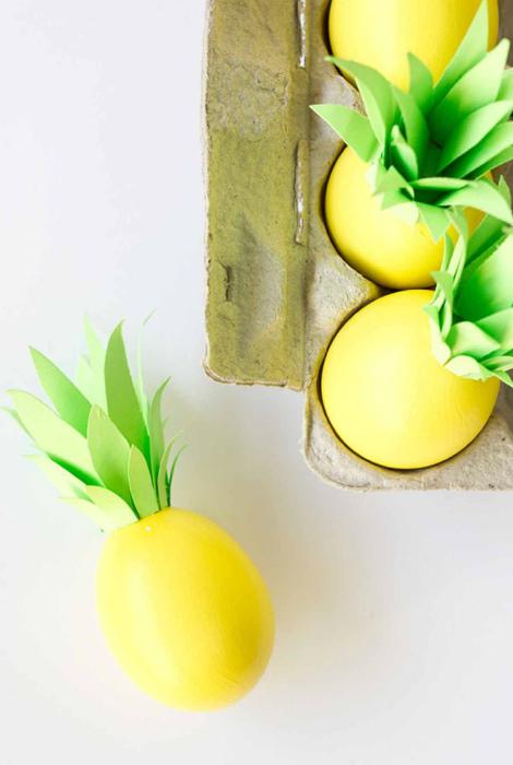 Яйца в виде ананасов.
