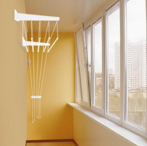 Настенная сушилка-лифт на балкон