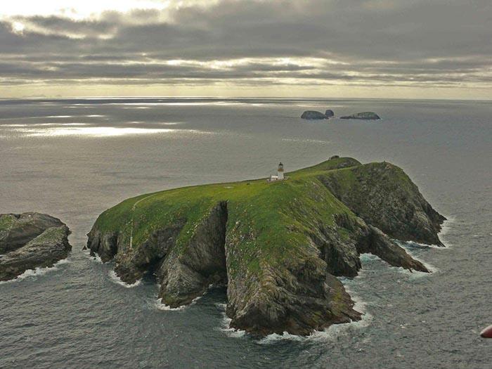 Острова Фланнан в Шотландии.
