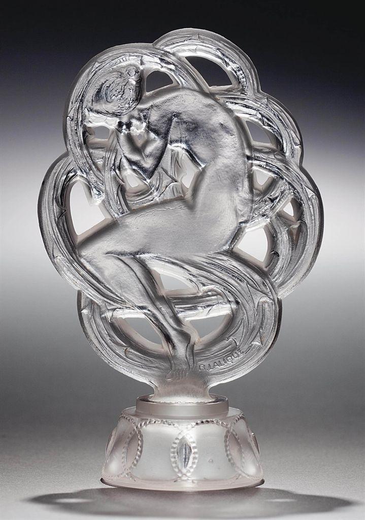 Картинки по запросу le baiser de lalique perfume
