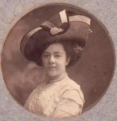Дама в шляпе, 1911 год