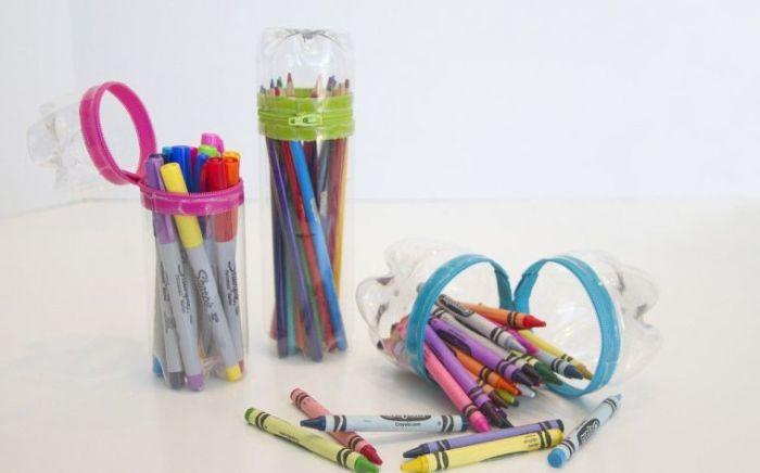 Из пластиковой бутылки можно сделать очень полезные вещи, если включить немного фантазии. /Фото: paintonline.org
