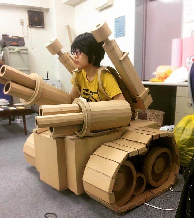 Кто-то использует картонные коробки, чтобы хранить там ненужный хлам, а Мономи Оно сделала из них танк!