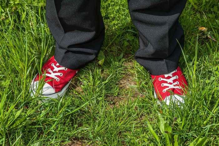 Стрелки на брюках. /Фото: mbatsaniafrica.co.za