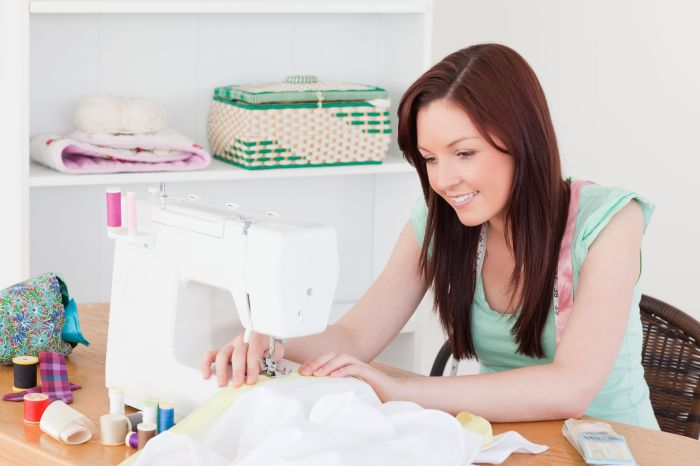 Запишитесь на курсы кройки и шитья. / Фото: Pinterest.com