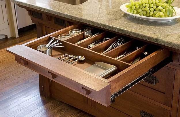 Выдвижной ящик для столовых приборов