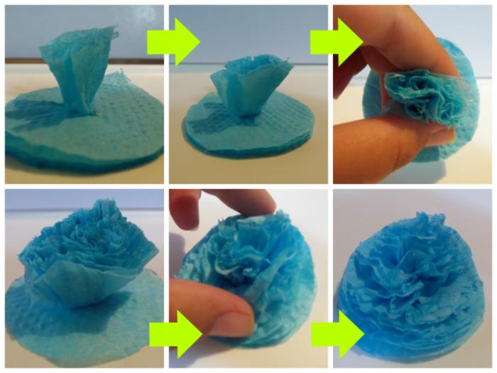 Как цветочки делать из салфеток