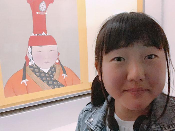 С людьми азиатского происхождения все немного проще – у многих похожие лица.