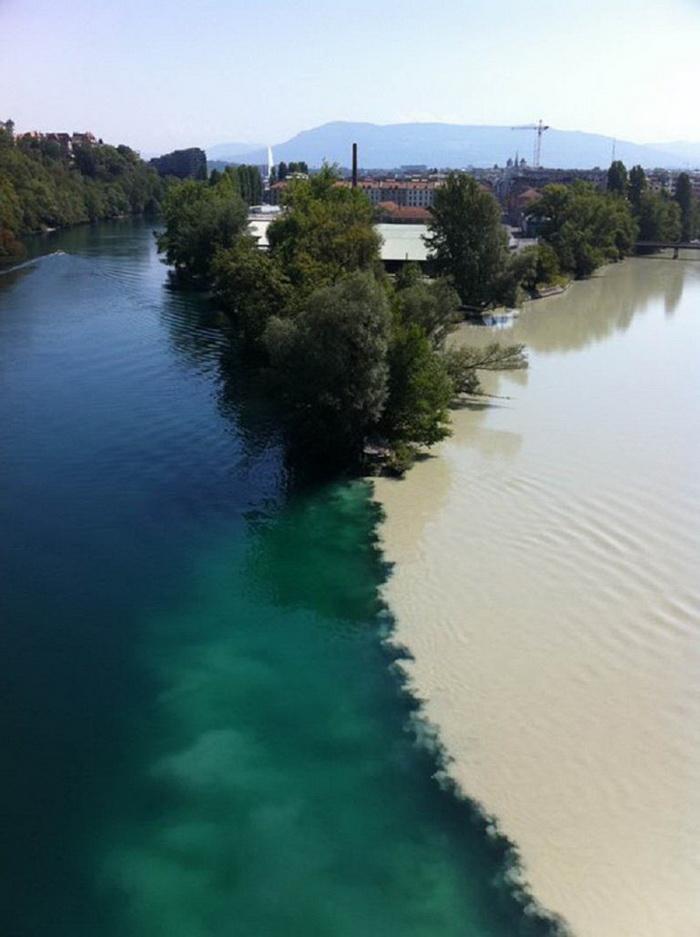Место слияния рек Рона и Арв в Женеве (Швейцария)