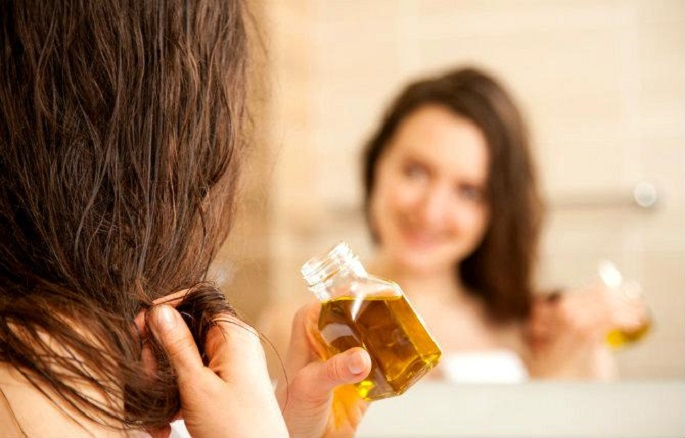 от чего выпадают волосы у женщин на голове в больших количествах