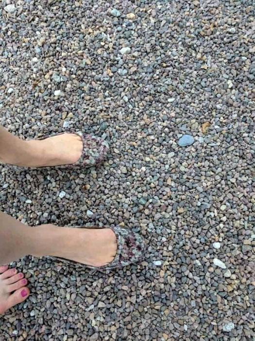 Невидимая обувь.