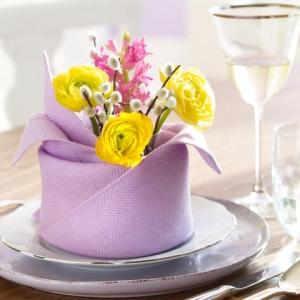 Секреты сервировки: 10 способов красиво оформить стол с помощью салфетки