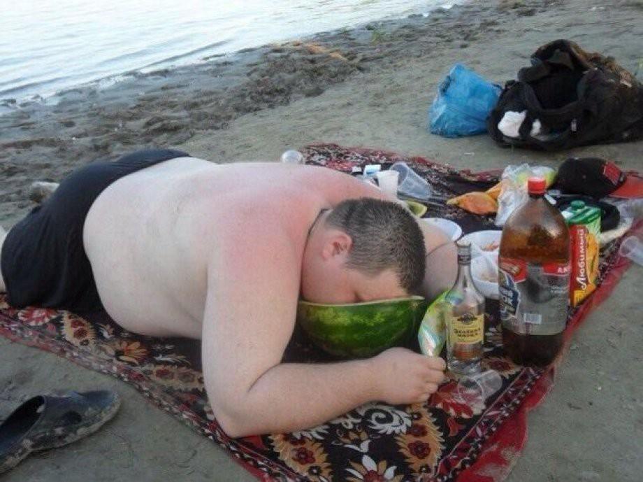 Апреля шутка, смешные картинки про пьяных мужиков с надписями