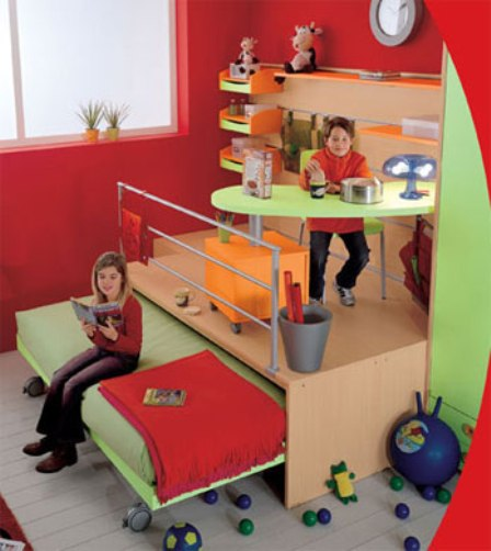 Подиум в спальне - оригинальный интерьер в сочетании с эргономичностью