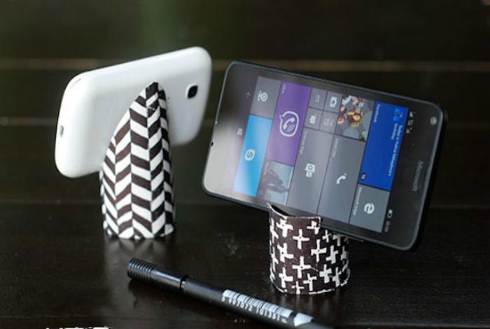 Подставка для телефона или планшета.