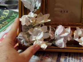 plaster frame 290x217 {Guest Post} Faux Porcelain Flower Frame