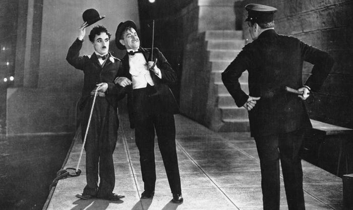 Чарли Чаплин и его герой - типичный джентльмен