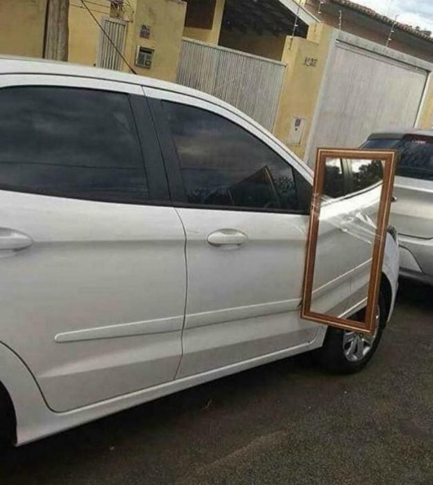 Боковое зеркало большого формата. | Фото: Reddit.