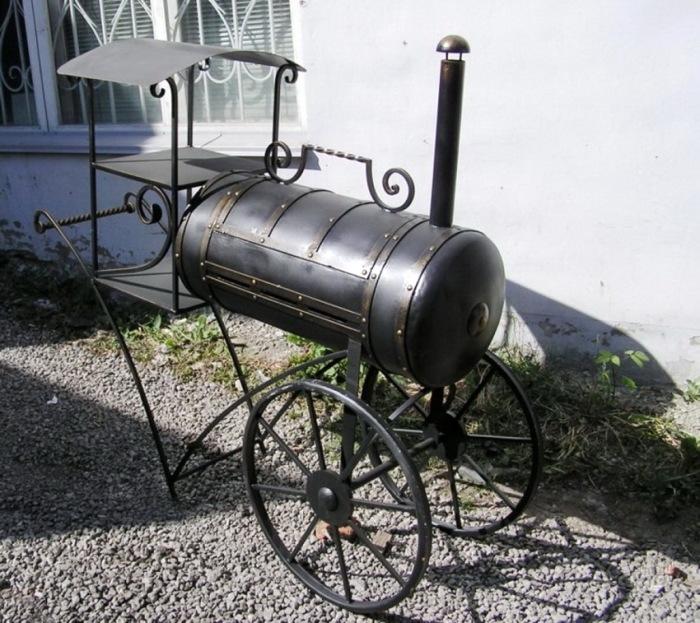 Оригинальная модель гриля, сделанная из газового баллона креативным мастером. | Фото: remoo.ru.