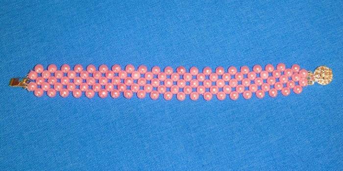 Браслет в технике двойной крестик
