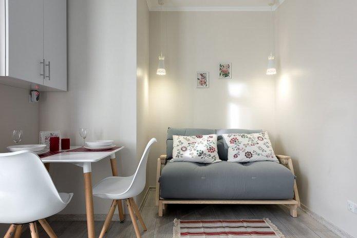 интерьер маленькой кухни-гостиной