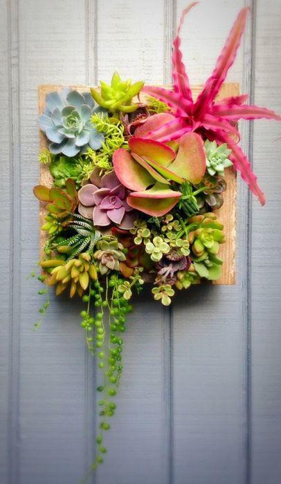 Такая яркая и живая картина может стать замечательным подарком или украсить ваше собственное жилище.