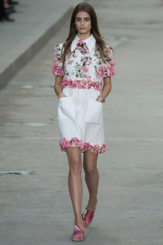 chanel-2015-spring-summer-runway28.jpg