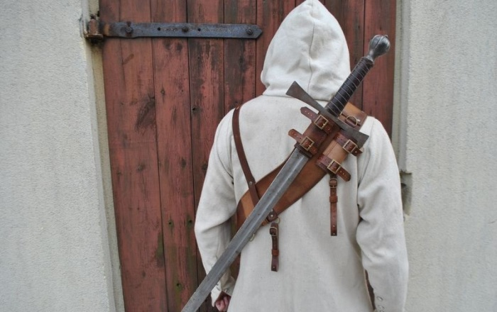 Вытянуть меч уже будет невозможно. /Фото: mutually.com.