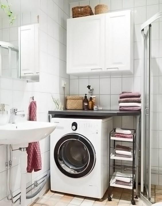 Стиральная машина ванная с душевой кабиной