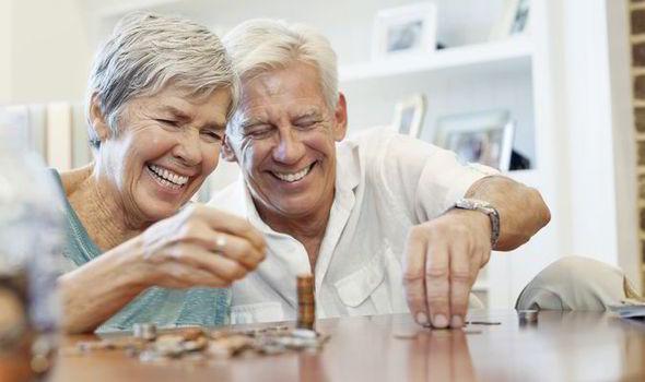 Можно ли снять накопительную часть пенсии до выхода или сразу после выхода на пенсию?
