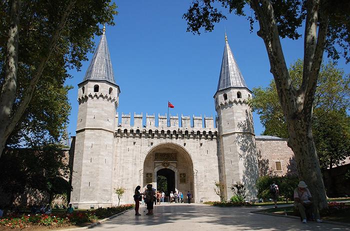 Ворота во дворец Топкапы.