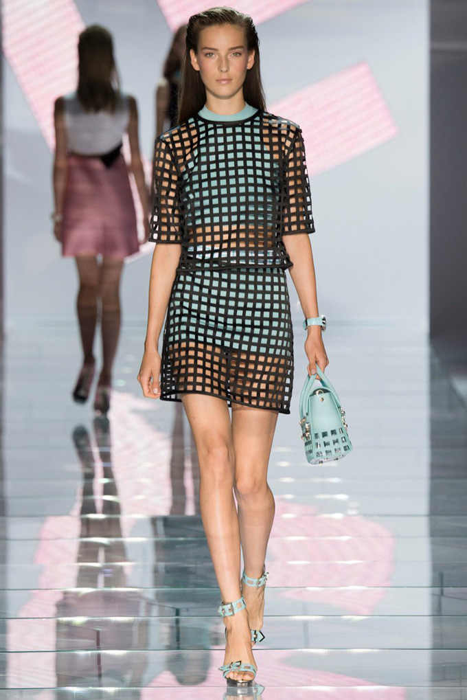 versace-2015-spring-summer-runway09.jpg