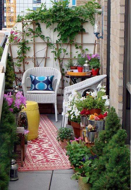 16 очаровательных сезонных идей для сада на балконе фото 3