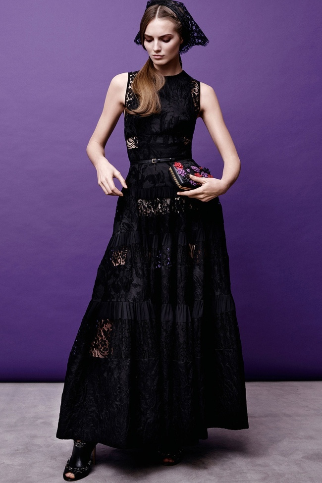 elie-saab-pre-fall-2015-photos11.jpg