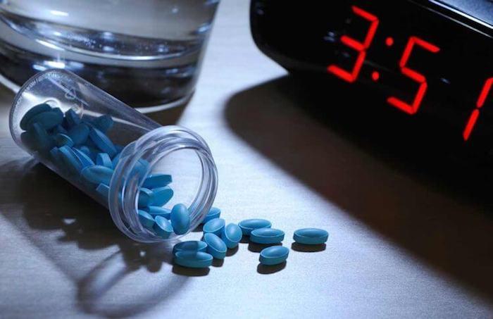 Миллионы людей не могут уснуть без таблеток.