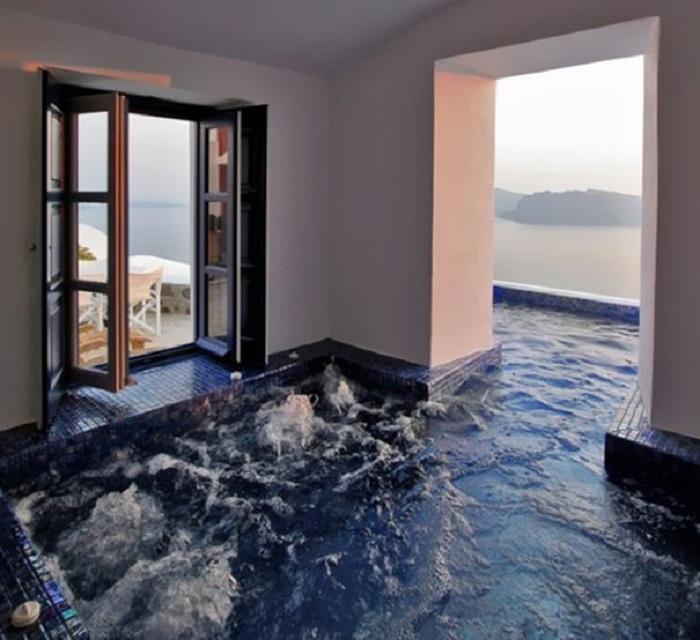 Каждый, наверное, мечтает, чтобы в его доме - мечты на крыше был открытый бассейн.