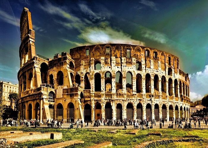 Величественный амфитеатр древнего Рима, до сих пор является одним из грандиозных сооружений на планете.