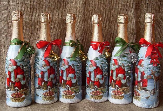 Серия новогодних бутылок, украшенных с помощью техники декупаж