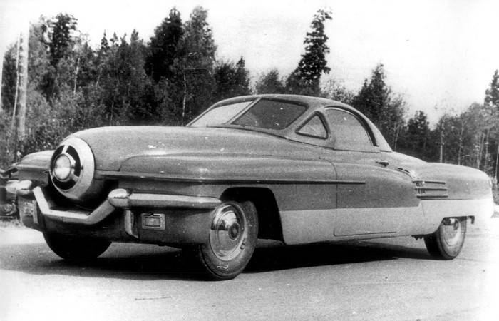 Автомобиль ЗИС-112.